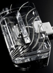 CrystalDock – First Pure Crystal iPod and iPhone Dock from CalypsoCrystal