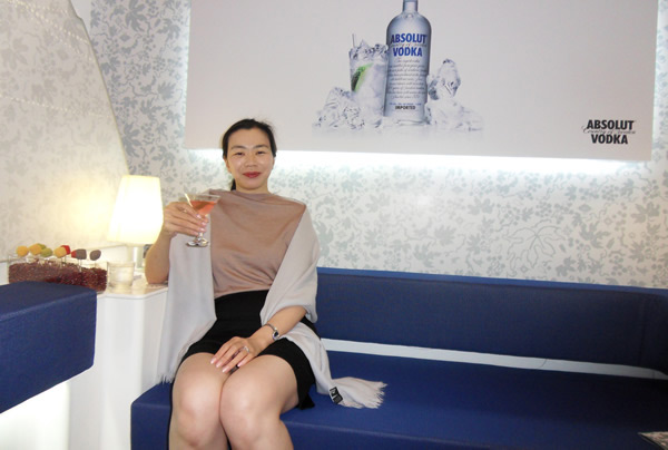 Heather Cho toasts the success of the Celestial Bar with an Absolut Korean Air cocktail in Singapore