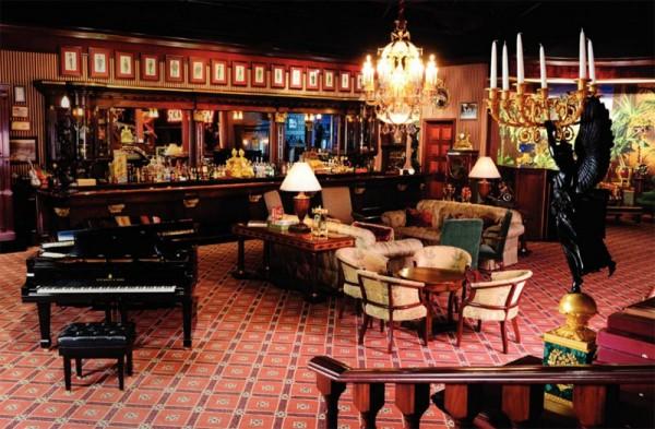 The Milhous Collection - www.extravaganzi.com