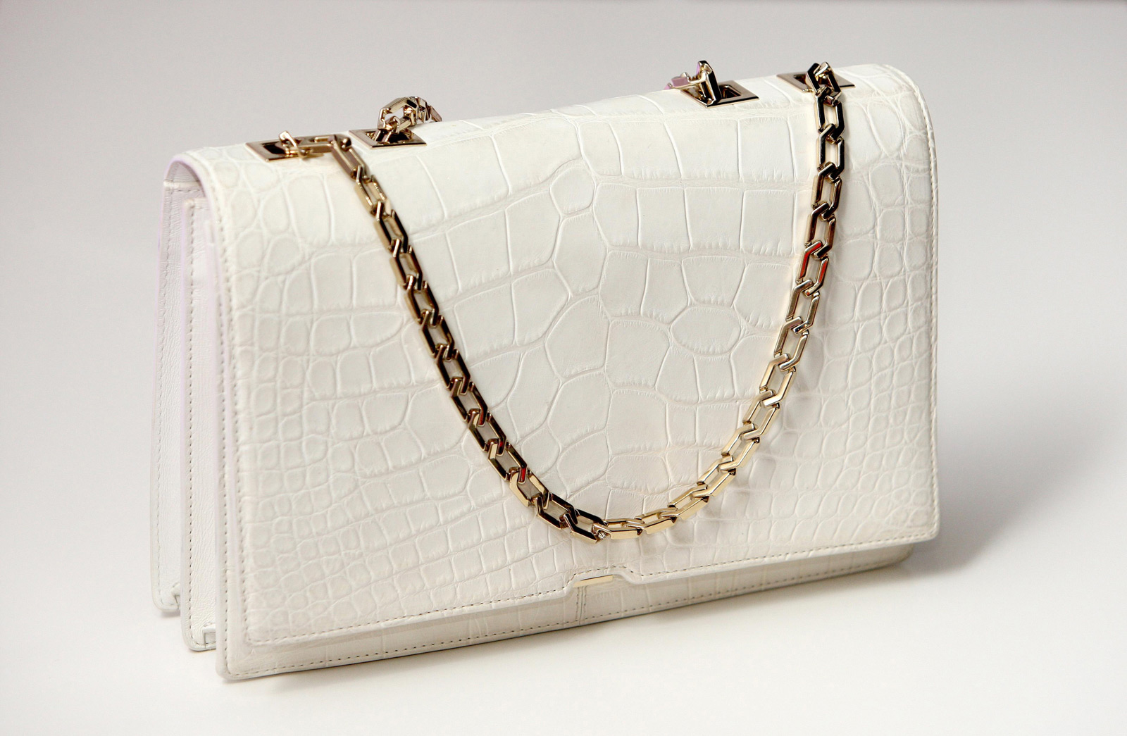 Victoria Beckham's Luxury Handbag For Selfridges - eXtravaganzi