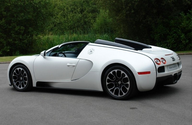 bugatti veyron grand sport sang blanc for sale extravaganzi. Black Bedroom Furniture Sets. Home Design Ideas