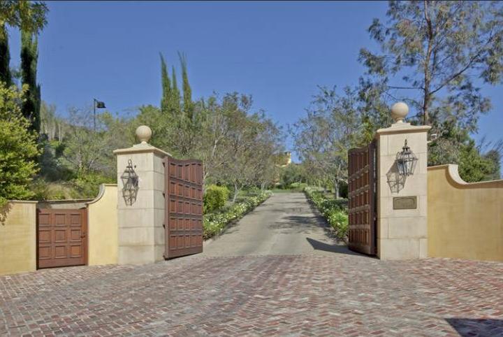 9904 Kip Dr., Beverly Hills, CA 90210