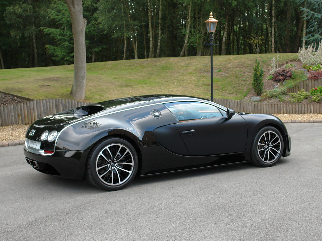 out of your price range bugatti veyron super sport sang. Black Bedroom Furniture Sets. Home Design Ideas