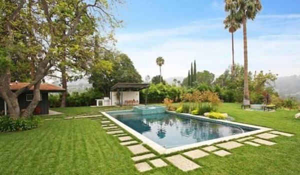 Nem Miley Cyrus California Mansion