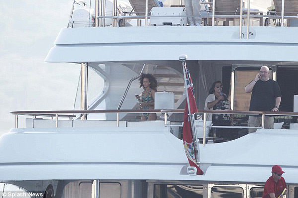 Rihanna on the Italian luxury yacht Latitude