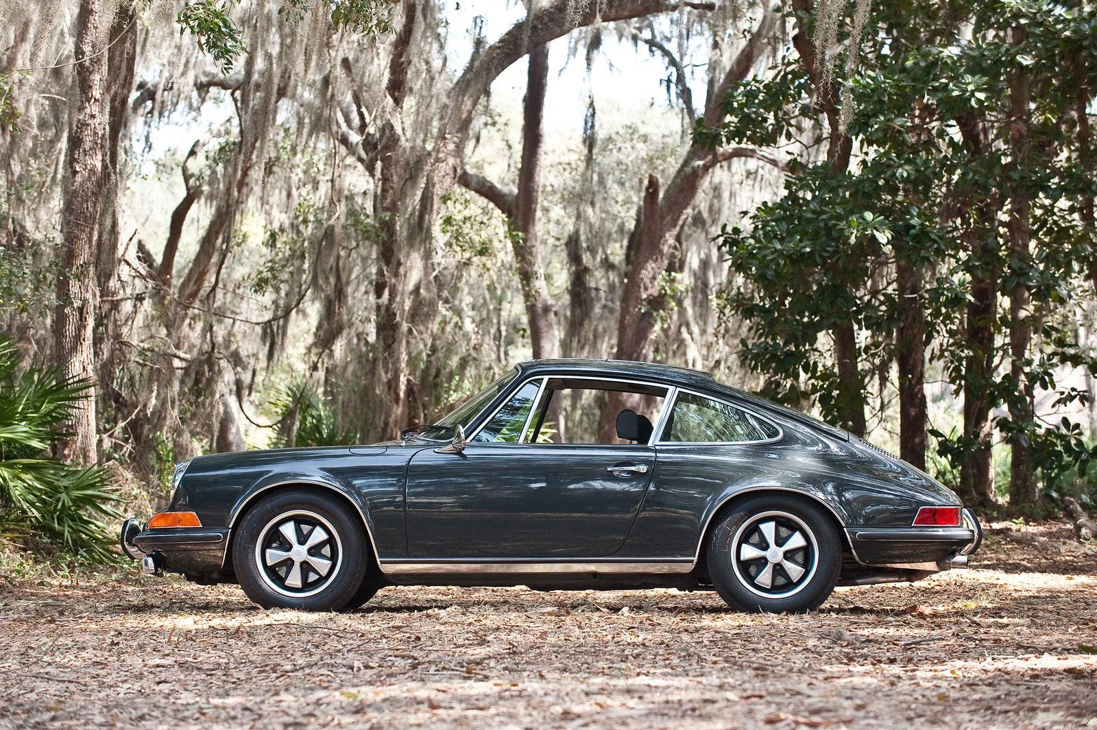 steve mcqueen 39 s 1970 porsche 911s le mans fetch million extravaganzi. Black Bedroom Furniture Sets. Home Design Ideas