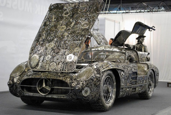 Mercedes-Benz 300SL Gullwing by Giganten Aus Stahl
