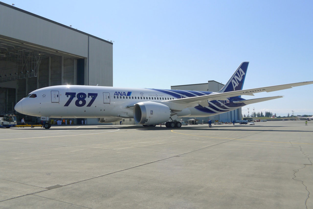 boeing dreamliner The faa mandates a repetitive maintenance task for boeing 787s after finding the aircraft could suddenly lose all ac electrical power.