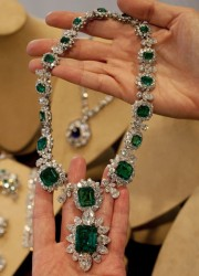 Elizabeth Taylor's BVLGARI emerald and diamond necklace and pendant