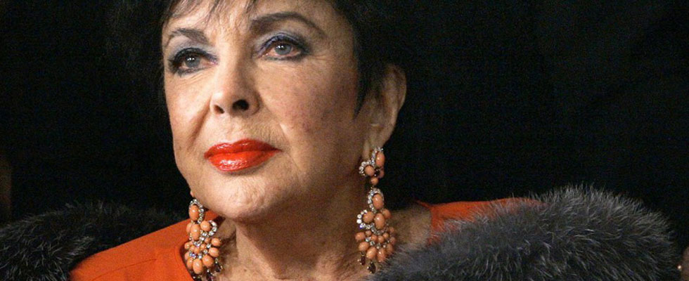 The Collection of Elizabeth Taylor&#8217;s Designer Clothes to be Auctioned
