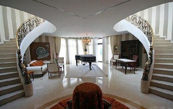 Luxury villa near ljubljana slovenia for sale extravaganzi for Ville americane interni
