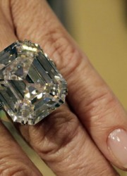 The Elizabeth Taylor's Diamond from her estate, a 33.19 carat, D color, VS1 clarity