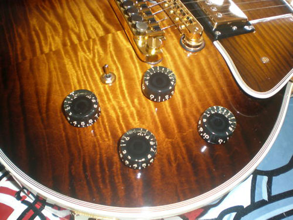 Gibson Les Paul 25/50 1978 Limited-Edition Guitar For 100,000 On eBay