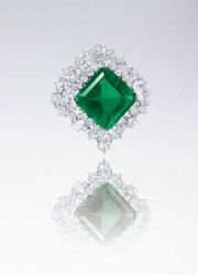 A Pair of Flawless Diamonds Could Fetch $18 Million at Chrisite's