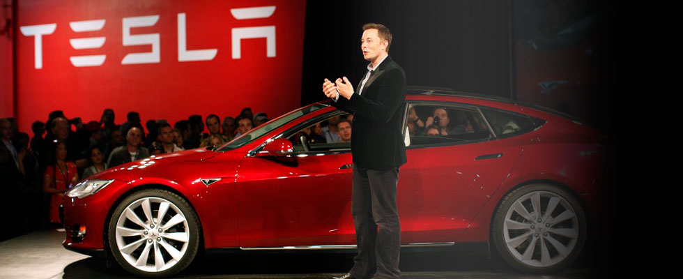 Tesla Model S Sedan Makes First Public Appearance