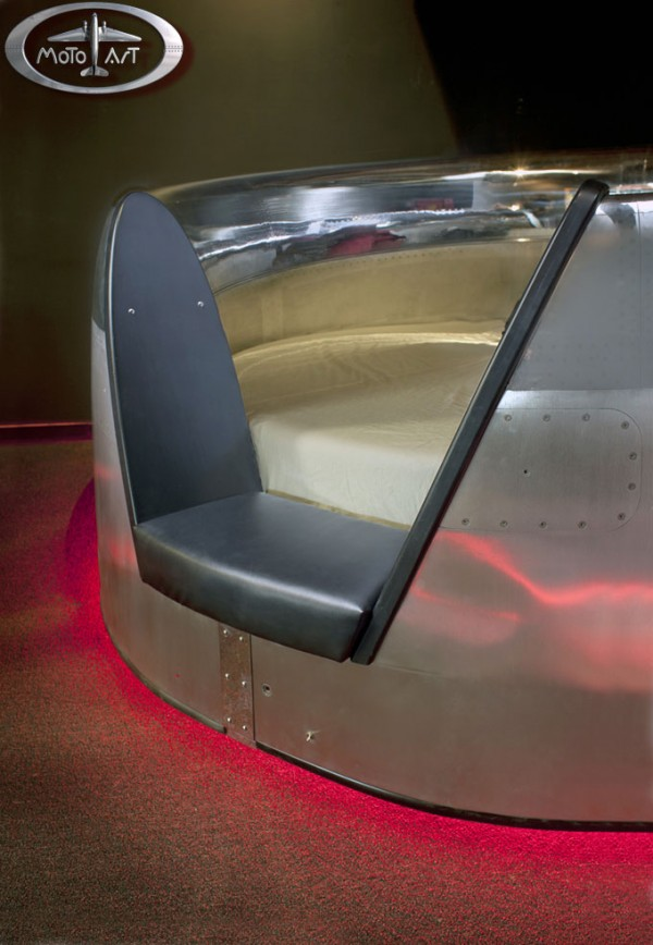 MotoArt's DC-10 Cowling Bed