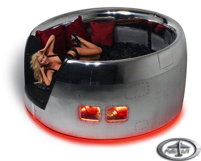dc 10 cowling bed by motoart extravaganzi motoart recycles retired airplanes into futuristic