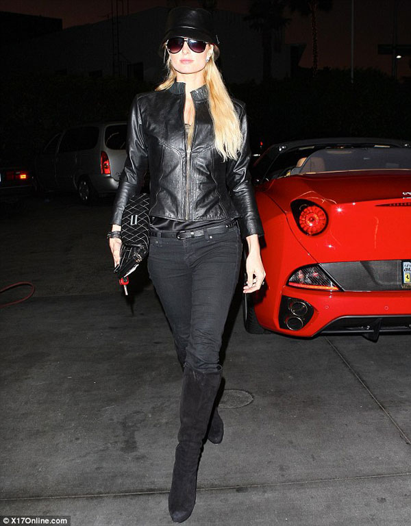 Paris Hilton Buys Red California Spyder Ferrari on Black Friday