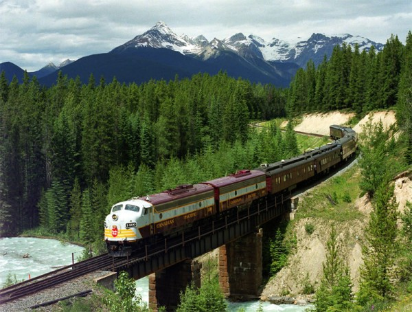 Private Rail Cars - The Royal Canadian