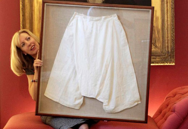 Queen Victoria's Knickers Sold for $14,500 at Auction