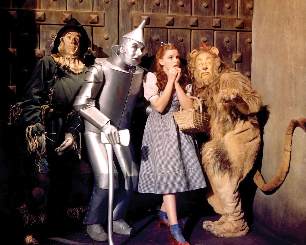 Cowardly Lion Costume from The Wizard of Oz to Fetch $3 Million at ...