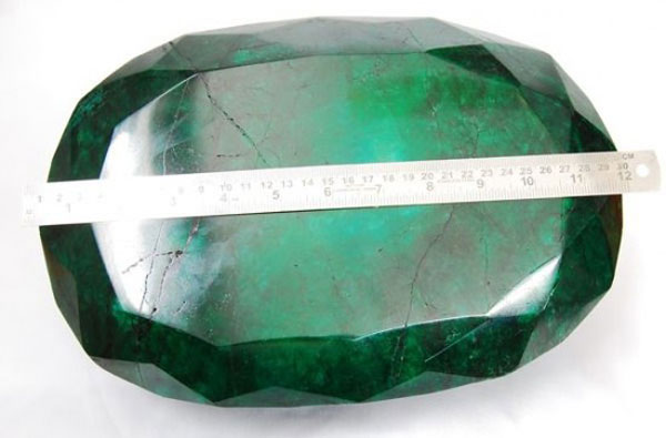 Teodora – The World's Largest Emerald to be Auctioned off in Kelowna