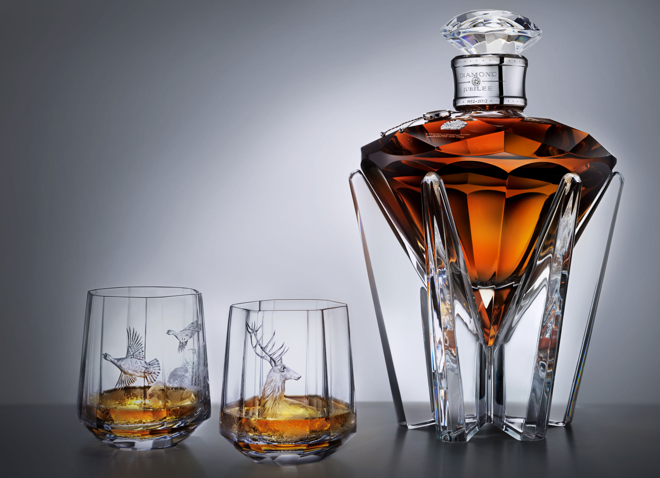 diamond jubilee whisky by john walker sons extravaganzi. Black Bedroom Furniture Sets. Home Design Ideas