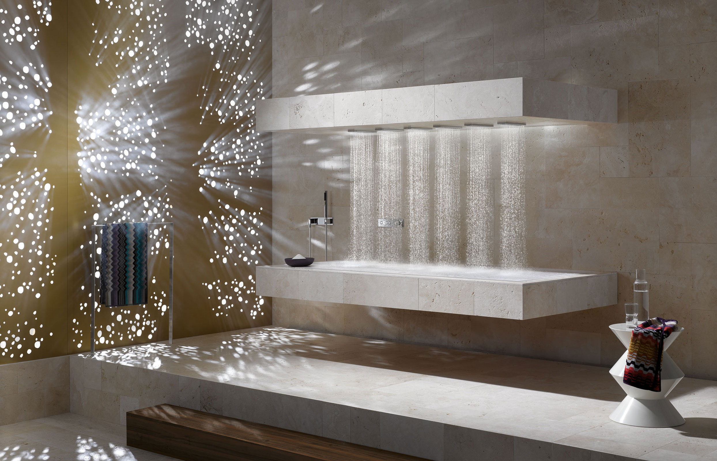 Horizontal shower by dornbracht will rejuvenate your body for Salle de bain avec jacuzzi