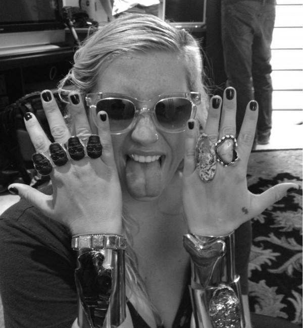Ke$ha Tweets Her Jewelry Obsession