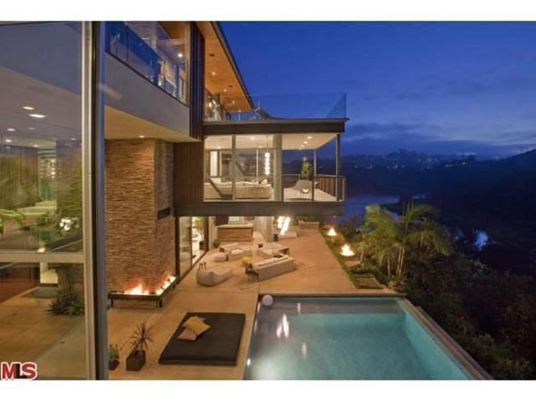 Ashton kutcher buys ultra modern hollywood hills home extravaganzi
