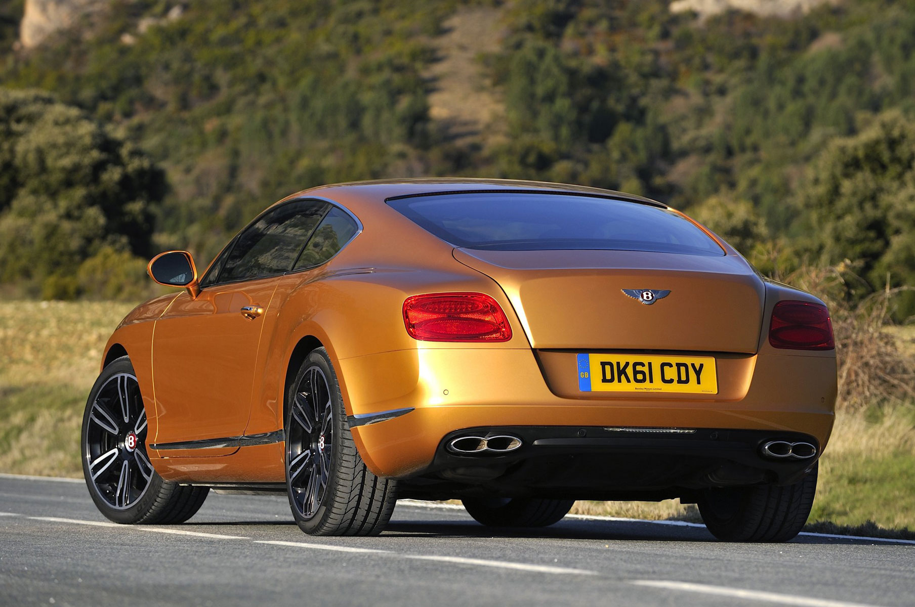 New Bentley Continental Gt V8 Makes Debut In China