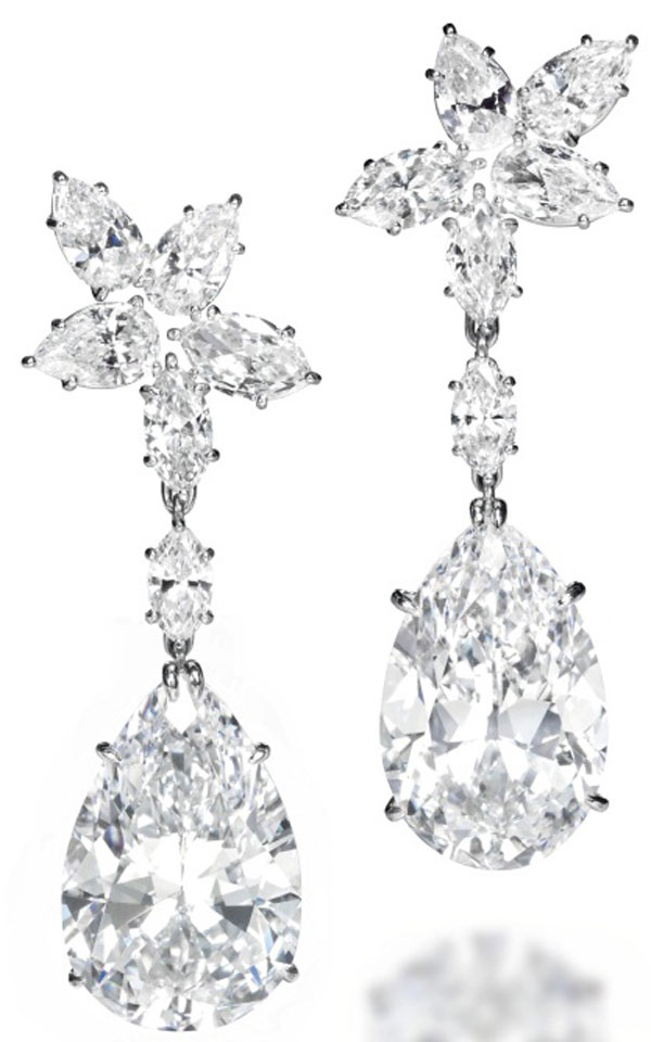 A PAIR OF MAGNIFICENT DIAMOND EAR PENDANTS, BY HARRY WINSTON