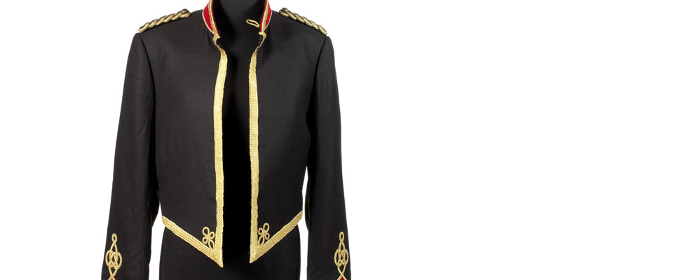 Michael Jackson&#8217;s Military-style Jacket Could Fetch $19,000 at Bonhams