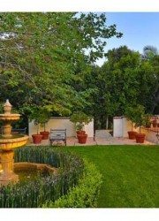 Madonna&#039;s-Beverly-Hills-Palace-1