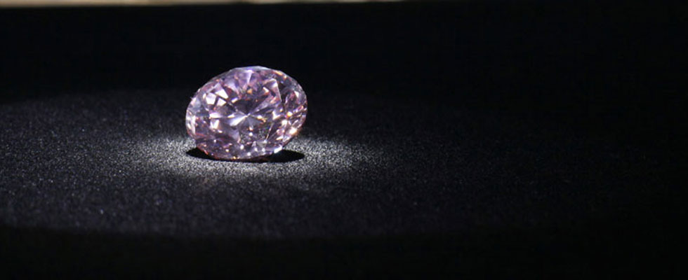Rare Martian Pink Diamond Sold for Whopping $17.4 Milllion at Hong Kong Auction