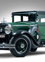 1928-Cadillac-V-8-Al-Capone-Town-Sedan-1