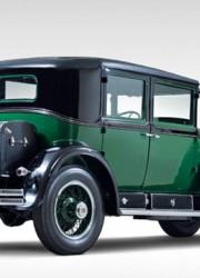 1928-Cadillac-V-8-Al-Capone-Town-Sedan-2