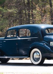 1936-Cadillac-V-16-Town-Sedan-by-Fleetwood-2