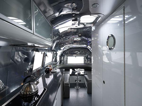 Luxury Lava Lamp Airstream By American Retro Caravans Extravaganzi