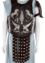 Russell-Crowe's-chest-armour-from-the-movie-Gladiator