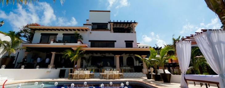 Villa-Alabtros-in-Cancun
