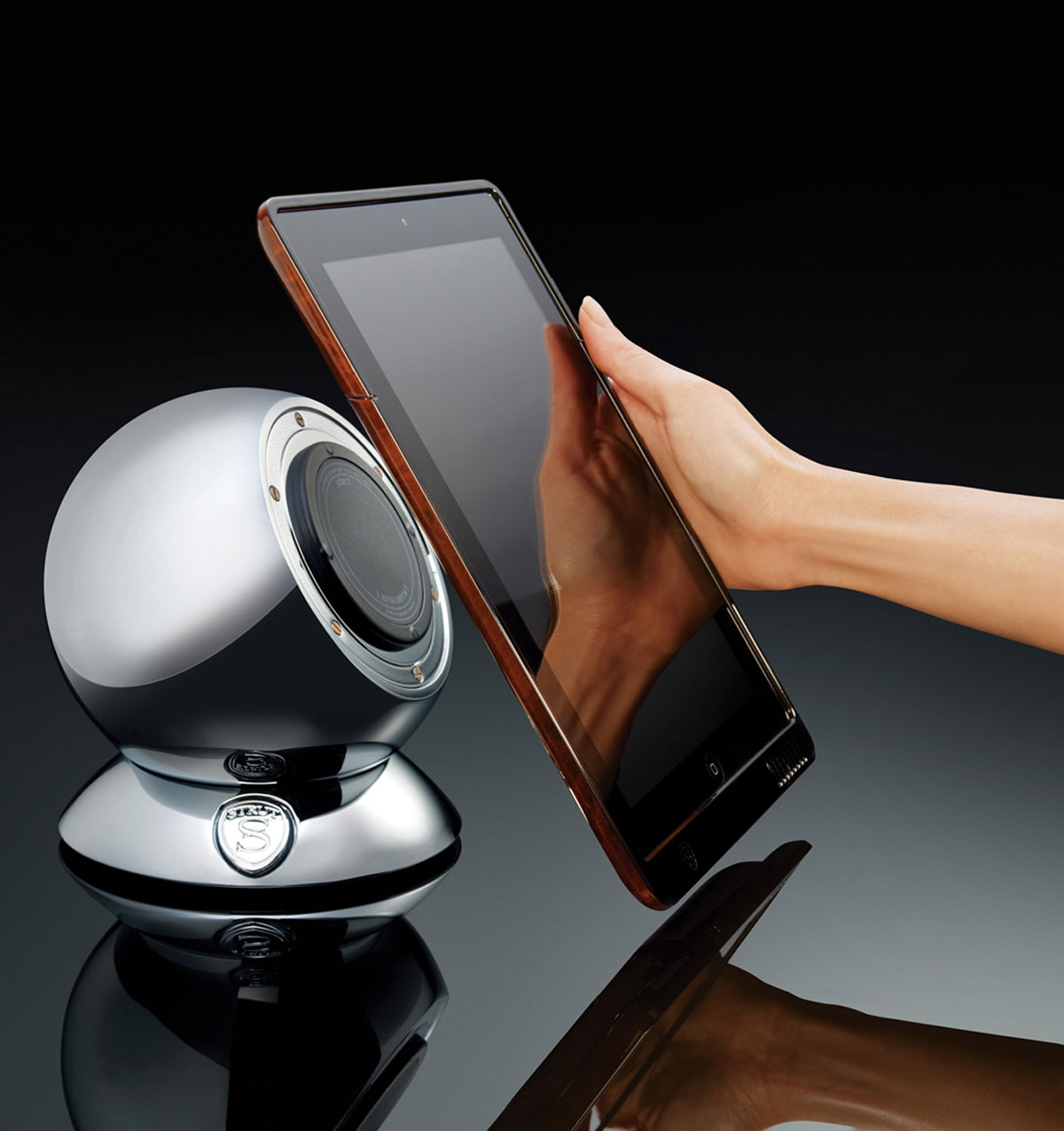 STRUT LaunchPort System – the Best of iPad Docking Stations