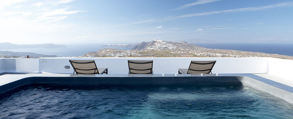 Villa Fabrica, Santorini, Greece &#8211; Simplicity of Luxury with Magnificent Views of the Aegean Sea