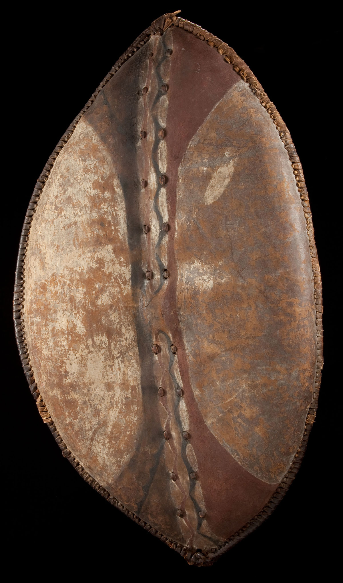 elliptical-leather-shield-from-the-Massai-or-Nandi-people
