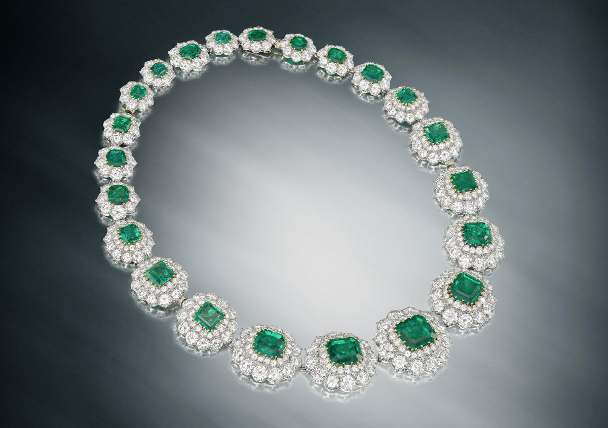 Duchess of WIndsor emerald and diamond necklace auction