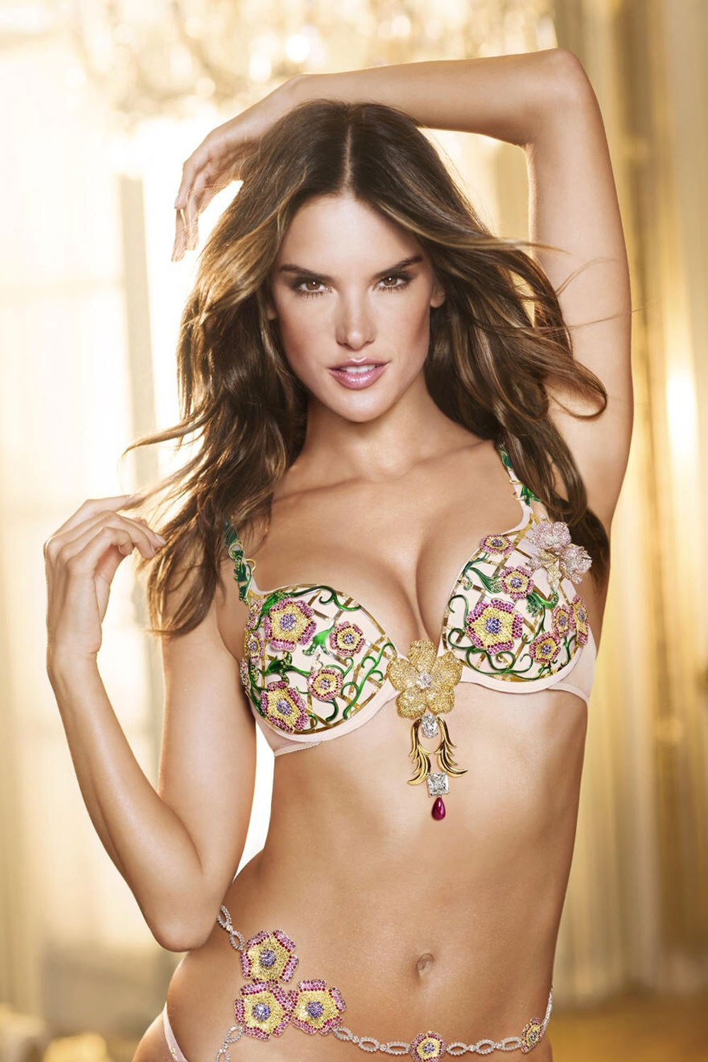 Alessandra-Ambrosio-poses-in-a-$2.5-million-Fantasy-Bra