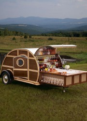 Bulleit-Woody-Tailgate-Trailer