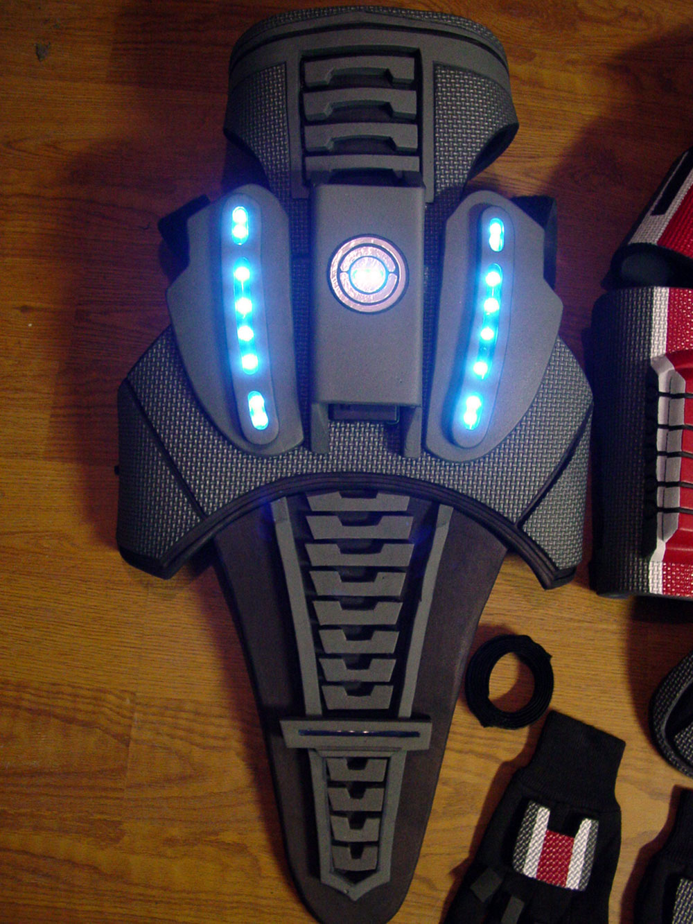 EVA Foam Armor http://www.extravaganzi.com/mass-effect-n7-armor-for-sci-fi-action-video-game-geeks/
