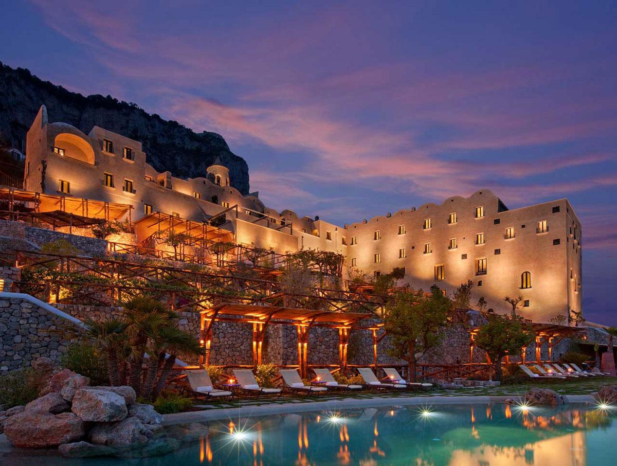 Monastero santa rosa hotel spa amalfi coast italy for Hotel luxury amalfi