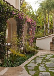 Sharon Stone S Beverly Hills Mansion Listied On Sale For 7 5 Million Extravaganzi
